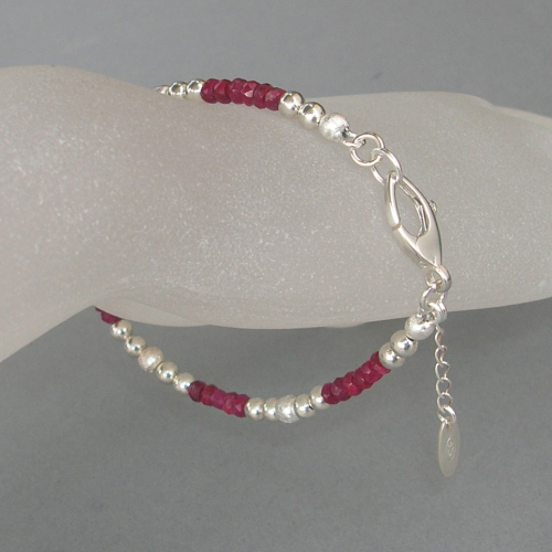 """Red Silver Dream"" Rubin Silber Armband"