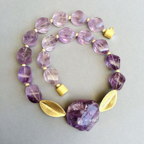 """Monumental Purple Rock"" Amethyst Kette"