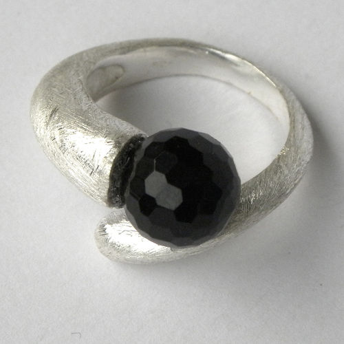 """Black Earth"" Silberring mit Onyx"