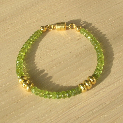 """Green Faceted Star"" Peridot Silber Armband"